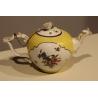 Théière boule jaune de Meissen, décor fleurs