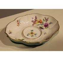 Petit plat ovale de Meissen, décor fleurs