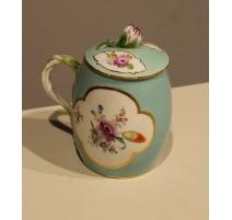 Pot à entremets de Meissen, décor fleurs