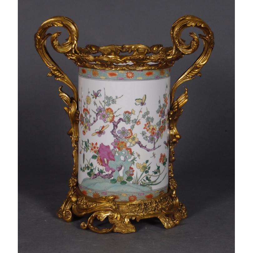 Vase en porcelaine Papillons