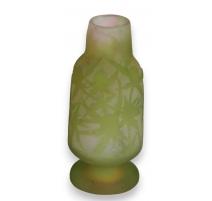 Vase of Gallé, green.