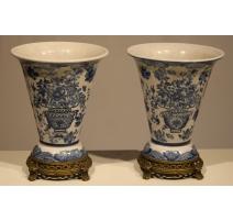 Paire de vases en porcelaine bleu-blanc