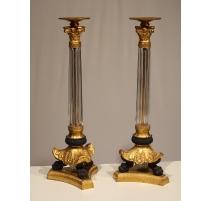 Paire de bougeoirs Empire en verre et bronze doré