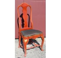 Suite de quatorze chaises anglaises laquées rouge