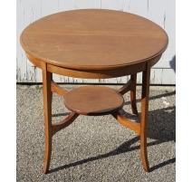 Table ronde à deux plateaux