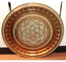 Grand plateau marocain en cuivre gravé