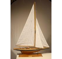 """Maquette de voilier """"Endeavour"""""""