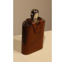 Flasque en verre et métal argenté gainée de cuir
