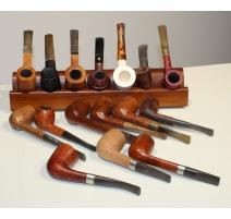 Collection de 16 pipes, avec support pour 7 pipes