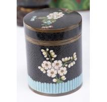 Boite cloisonnée décor fleurs, fond noir