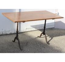 Table de bistro rectangulaire, pieds en fonte