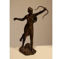 """Bronze """"Diane chasseresse"""" signé H. LEVASSEUR"""