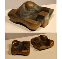 Suite de 3 cendriers en bronze massif