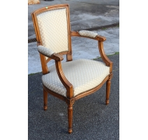 Fauteuil style Louis XVI tissus beige