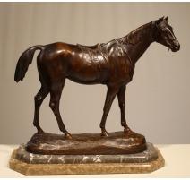 Бронзовая Лошадь подписали P. COMOLÉRA