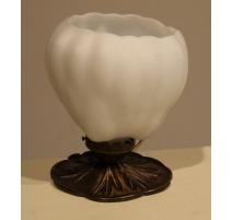 Lampe Lotus en verre dépoli et laiton