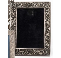 Silver frame 900 repoussé decoration of flowers