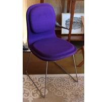 套8椅子,嗨-垫通过Jasper莫里森