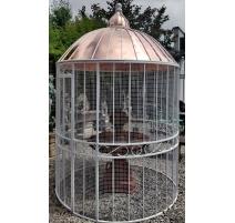 Aviario Laura de hierro forjado blanco, techo de cobre