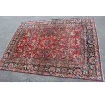 Carpet Sarouk red background