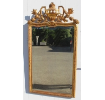 Mirror Louis XVI Funk pediment Urn