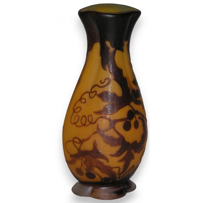 Vase de GALLE, orange-brun.