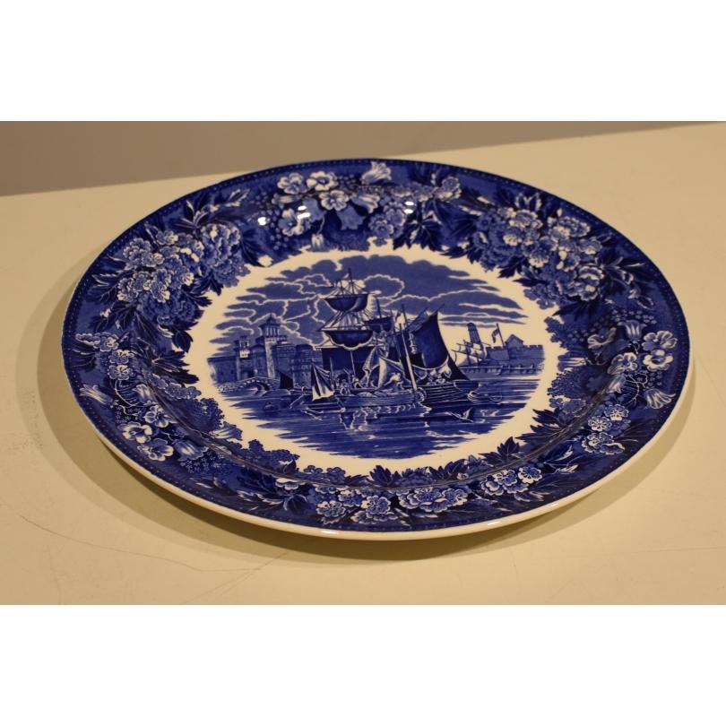 """Dish in earthenware Wedgwood """"Ferrara of Etruria"""""""