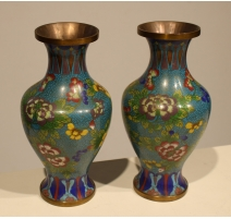 Paire de vases cloisonné décor de fleurs