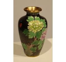 Vase cloisonné décor de fleur sur fond noir