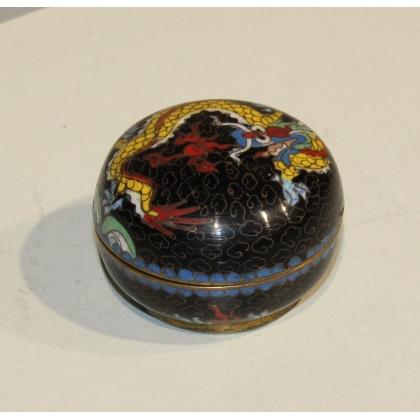 Boite cloisonnée décor de dragon sur fond noir