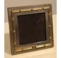 Cadre à photo en métal argenté par GUCCI