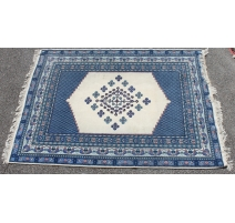 Tapis marocain en laine bleu