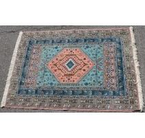 Tapis marocain en laine bleu et rose