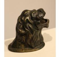 Tête de lion en fonte
