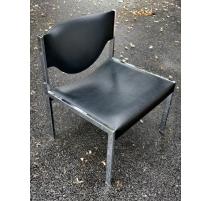 Chaise chrome et simili-cuir noir de Horgen Glarus