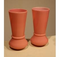 Paire de vases en opaline rose