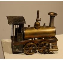 Modèle réduit de locomotive à vapeur EP