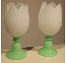 Paire de photophores tulipe en opaline verte