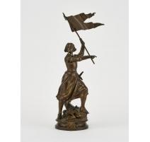 Jeanne d'Arc à l'étendard en bronze signé GAUDEZ