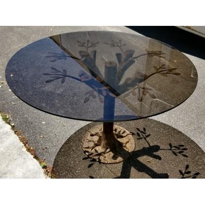 Table ronde en bronze, plateau verre par BANCI