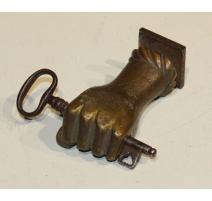 """Poignée de port """"Main"""" en bronze"""