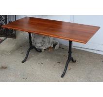 Table de bistrot rectangulaire pieds en fonte