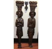 Paire de pilastres Renaissance sculptés