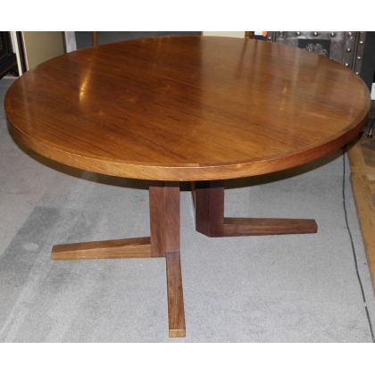 Ensemble de 6 chaises Sonderborg et une table.