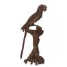 Bronze Macaw sur une branche
