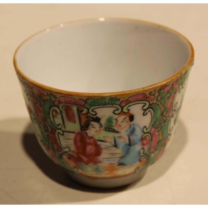 Bol en porcelaine de canton décor personnages