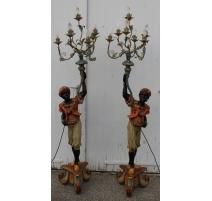 Paire de chandeliers aux maures à 7 lumières