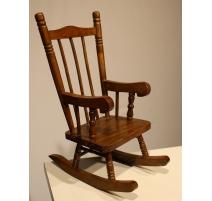 Chaise à bascule miniature
