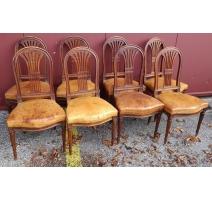 Suite de 8 chaises style Louis XVI, cuir brun