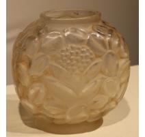 Vase en verre de SABINO décor grenade